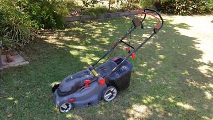 Lawn Mowing Chifley 2