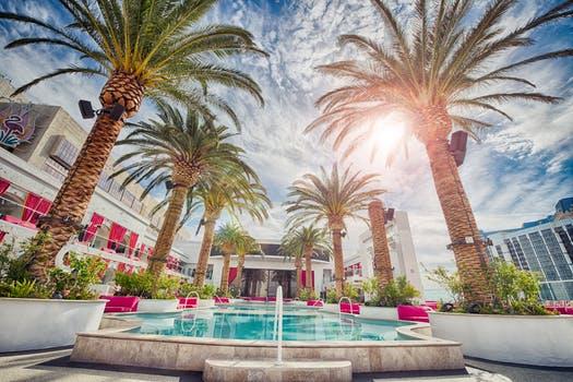 holiday-vacation-hotel-luxury